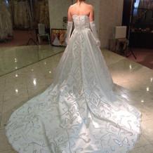 白ドレス試着