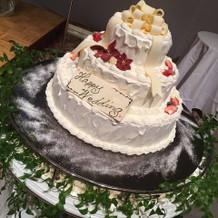 ウエディングケーキの見本です。