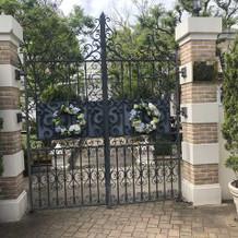 とても綺麗な門