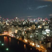 式場から見える夜景も綺麗です♪