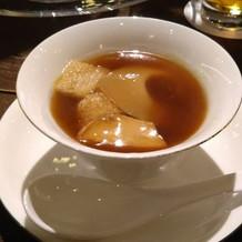 フカヒレのスープです。アツアツでした。