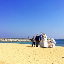 砂浜での写真撮影