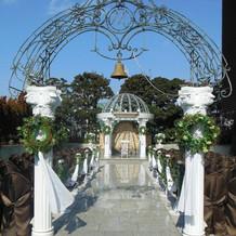 ガーデンチャペル。鐘が可愛いです。