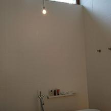 宿泊部屋のお風呂。猫足のバスタブ。