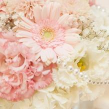 お花はピンク系にしました