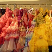 色鮮やかなドレス2