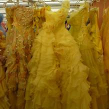 TUTUのドレス。ワンショルダー