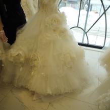TUTUのドレス。シンプルで形が綺麗