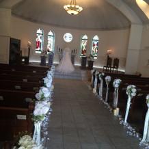 教会 ステンドグラスが綺麗でした