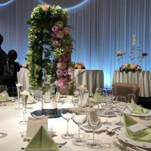 装花のボリュームや飾り方も多種多様です