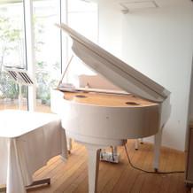 挙式会場にピアノ★生演奏可能