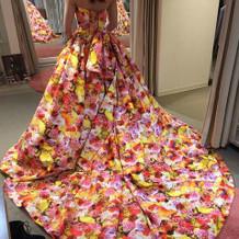 花柄のカラードレス
