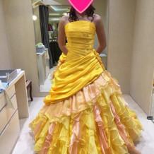 黄色のカラードレス
