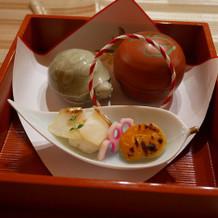 お寿司、生湯葉、梅肉和えなど