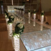 花嫁の入場と共に光る