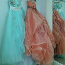 カラードレスです