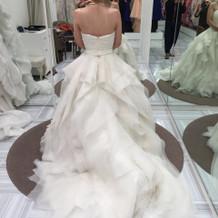 ふわふわのウエディングドレス