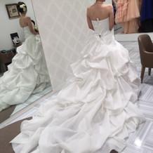 セミオーダーのウエディングドレス