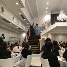 階段のある披露宴会場