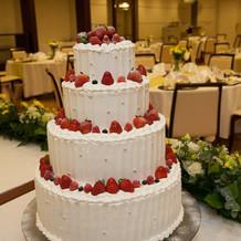 豪華なウエディングケーキ