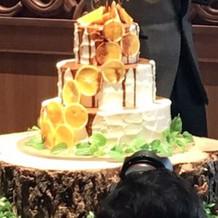 ウェディングケーキもとても可愛かった。