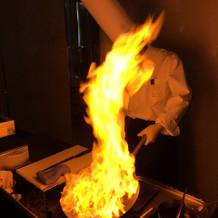 お肉!! 火の演出素敵ですね