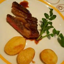 演出できるお肉料理です!