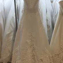 試着したドレス(24万)