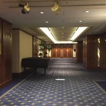 披露宴会場階廊下_1