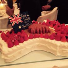 想像以上の素敵なウェデイングケーキ