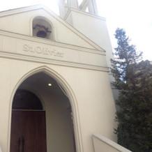 教会出入口