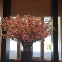 披露宴会場の入り口近くに桜