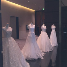 ウエディングドレス展示 2