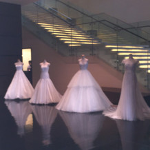 ウエディングドレスの展示 1