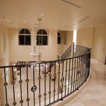 フランス館には、階段があり。