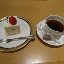 ウェディングケーキと同じケーキです。