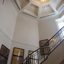 このホテルの象徴、螺旋階段