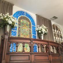 正面の祭壇