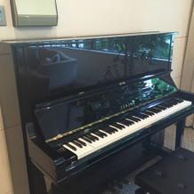 ホワイエにあるピアノ
