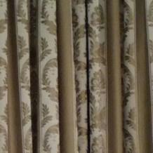シックなカーテン、