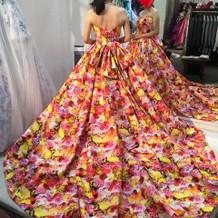 太閤園内衣装店カラードレス