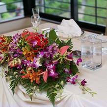 食事会会場のお花