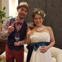 二次会では、披露宴の時の衣装をカスタム!