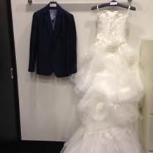 ドレスの試着室