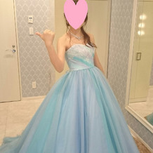 カラードレス。後ろも少しだけ長め