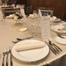 白を基調としたテーブルが良かった