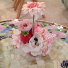 待ち合いのテーブル&お花