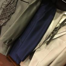 グレー、紺、白…男性も意外と悩む