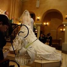 ドレスが映えるチャペル