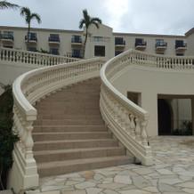 中庭の螺旋階段